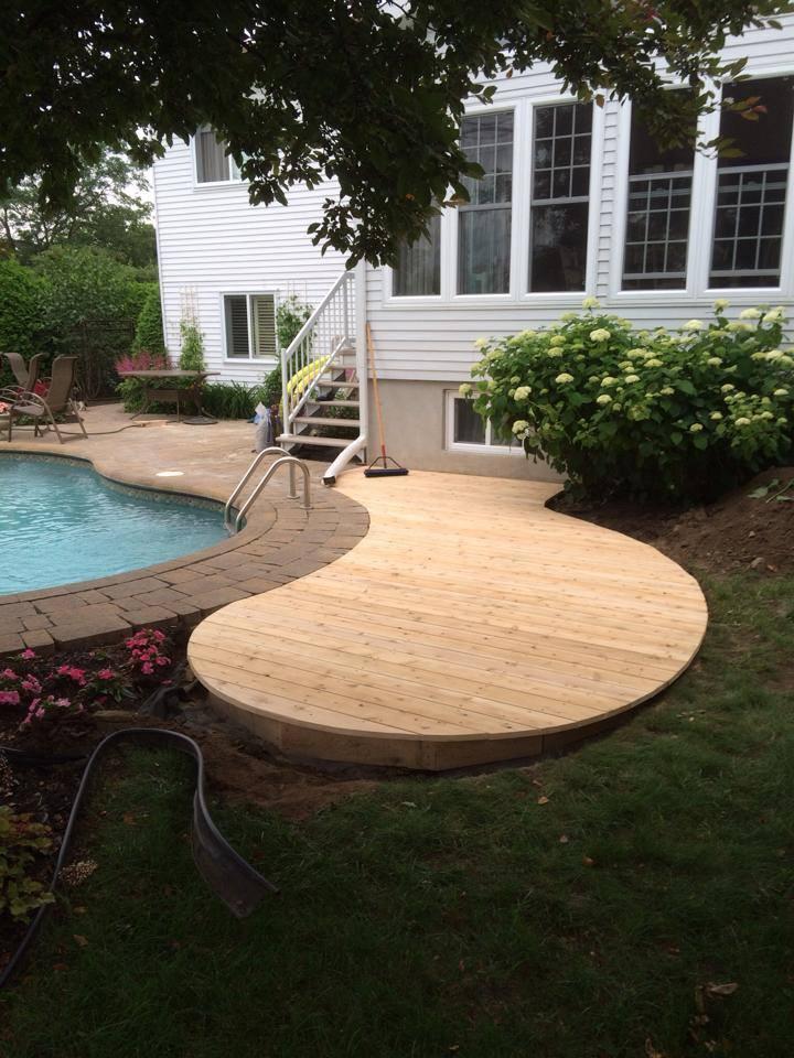 cote de piscine en bois
