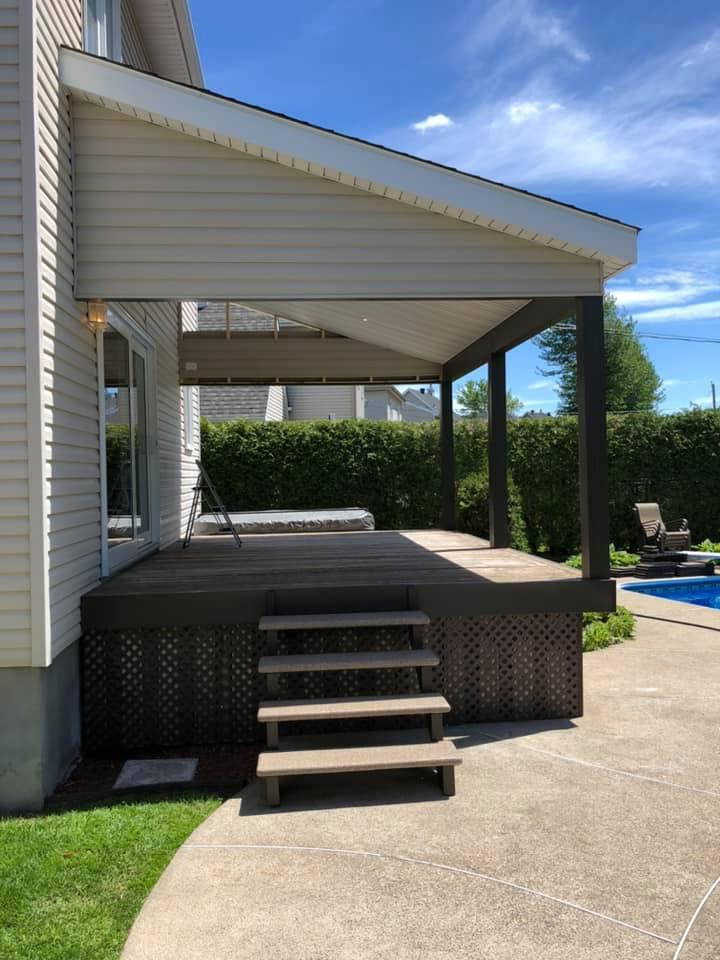 balcon maison piscine creusee