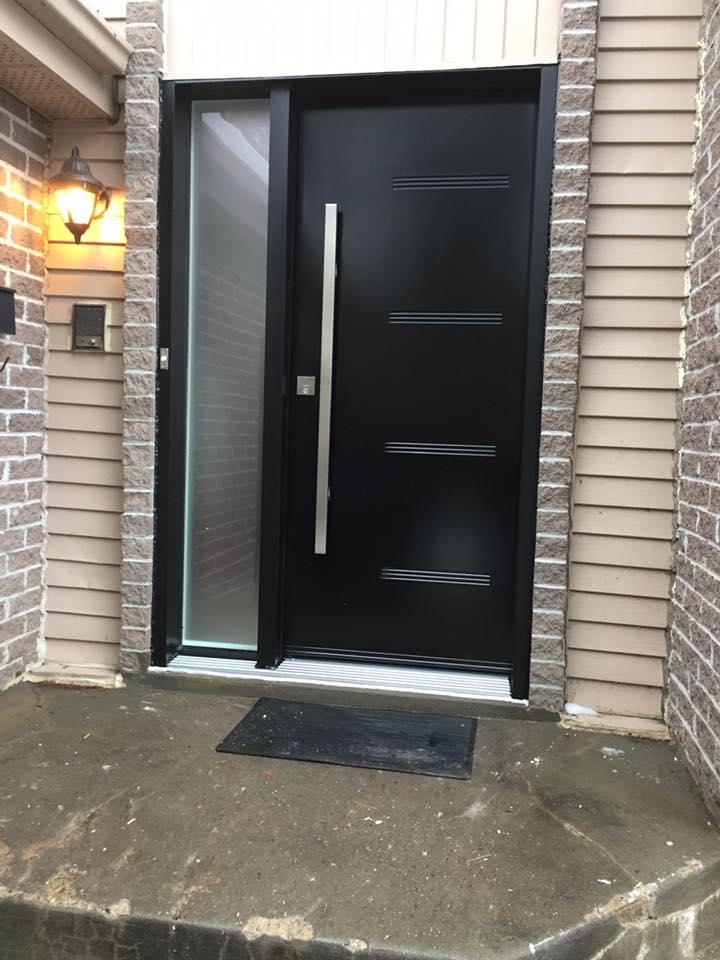 porte noire avant maison