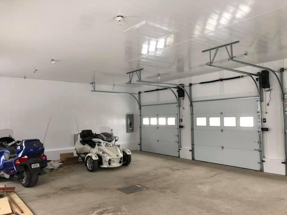intérieur garage automobiles
